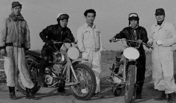 HSCの発足は1956年3月 中央:河島喜好 左:島崎貞夫 右:福田貞夫