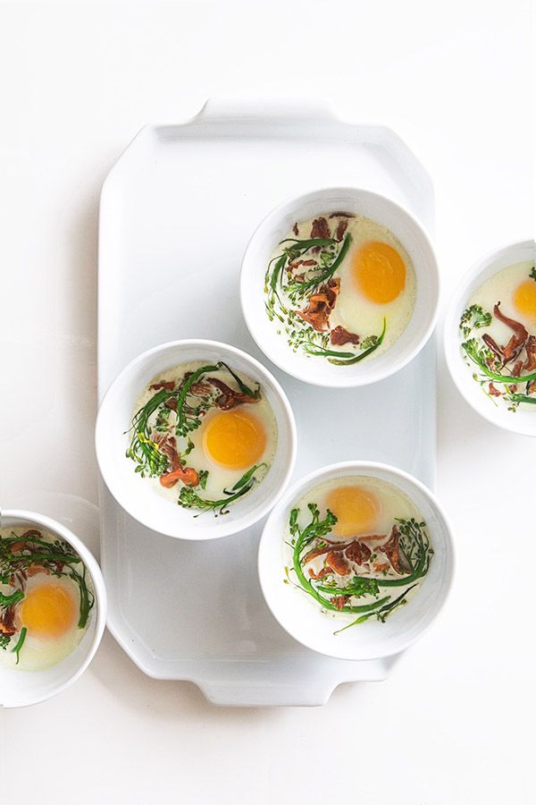 Eggs en Cocotte ~ An easy breakfast of baked eggs