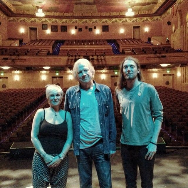 Julie Ragins ~ Justin ~ Mike Dawes @ the end of the Spirits Of The Western Sky tour 2014