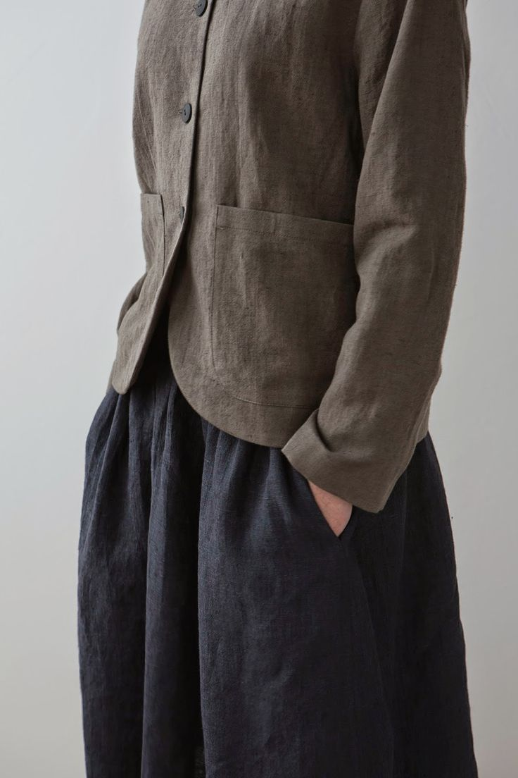 Quiet colors, good fabric, simple design. For those days/events when you want to be present, but not obvious. (muku)
