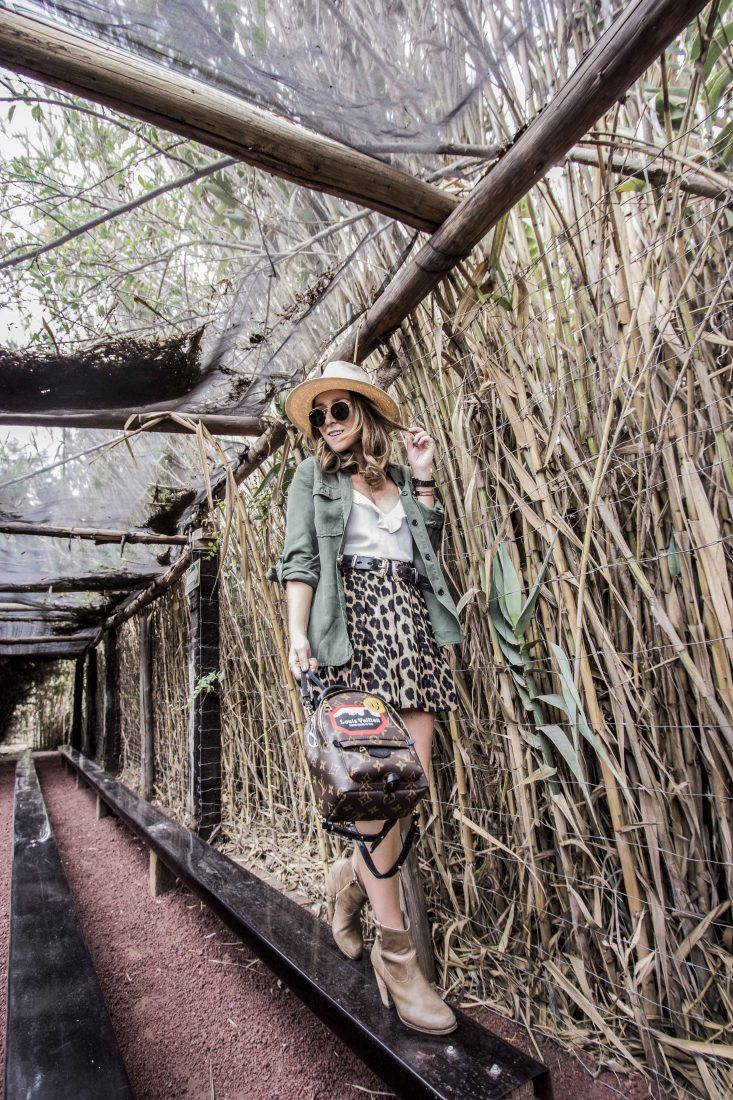 Safari/ Safari trend/ Ari Camacho/ Mexican Bloggers/ Luis Vuitton mini backpack/ Reino Animal/ Jirafa/ Jiraffe/ Animal Print/ Leopard print/ Leopard print shorts