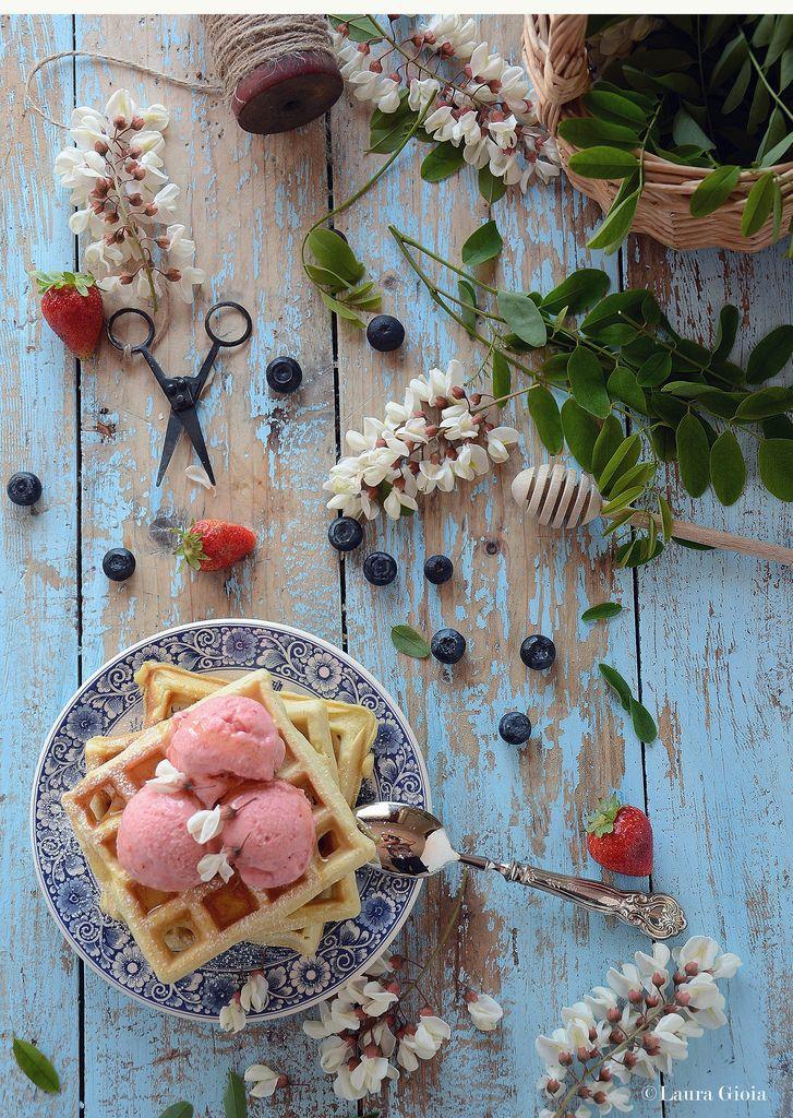 Essenza di Vaniglia: Waffles multicerreale al latticello con gelato all...