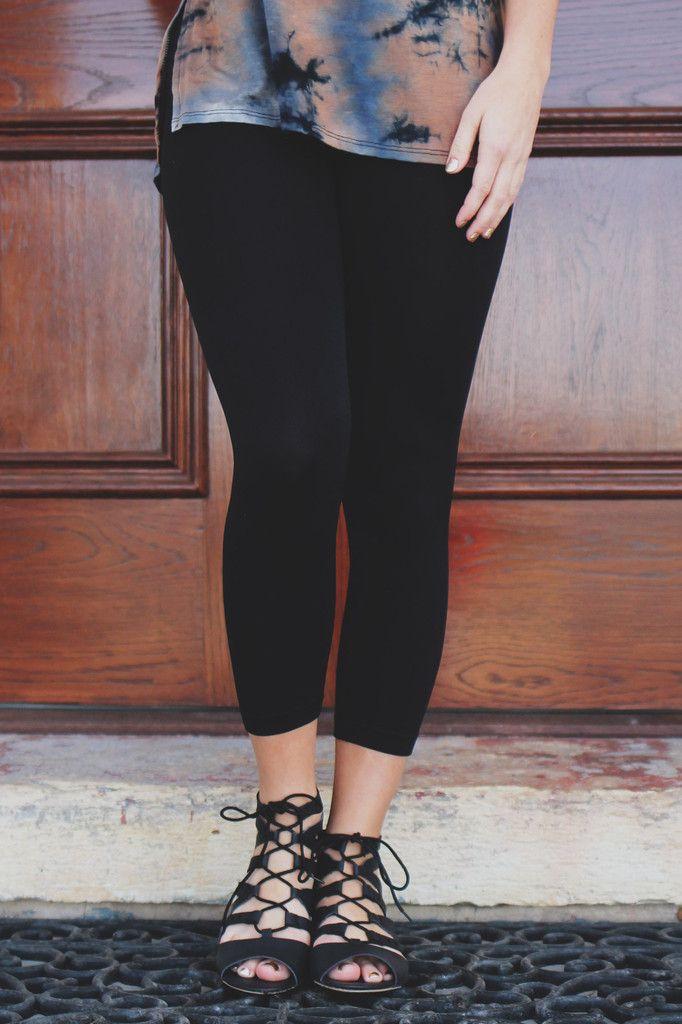 Solid Color Capri Leggings – UOIOnline.com: Women's Clothing Boutique