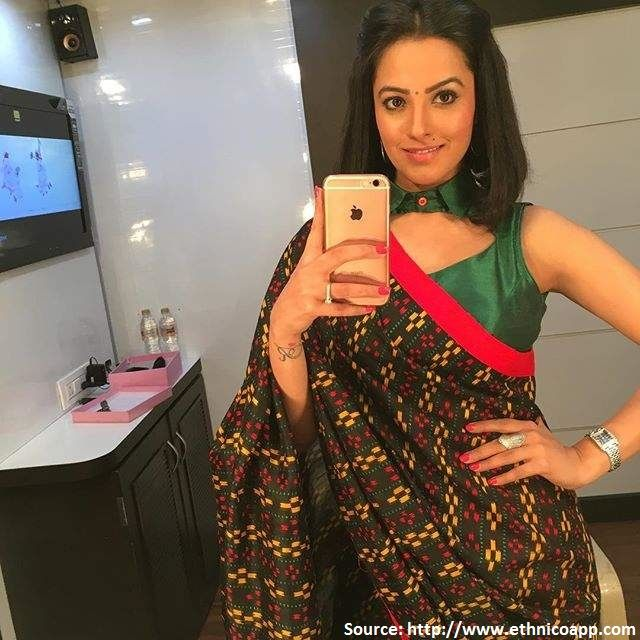 #AnitaHassanandani is a household name owning to her successful stint in #TV and #Bollywood alike. Her current role as #Shagun in the popular #TVseries Yeh hai Mohabbatein sees her setting major ethnic goals with her beautiful saris and oh so gorgeous #blouses!