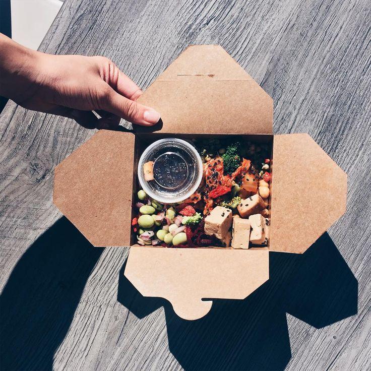 Les 9 meilleurs restaurants vegan qui font la livraison à Montréal | Narcity Montréal