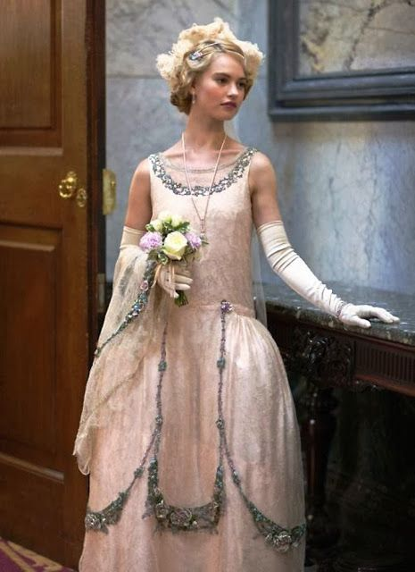 The details are amazing! Don't forget to tune in tonight of the premiere of Season 4 of Downton Abbey!:
