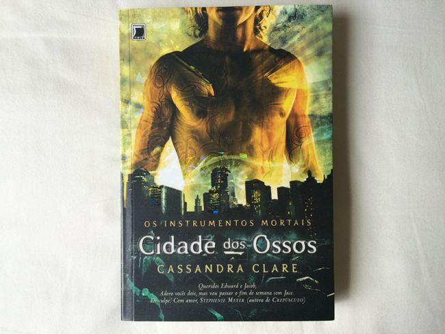 Resenha Cidade dos Ossos - Cassandra Clare | Dani Que Disse #livros #paraler #dicasdelivros #resenha