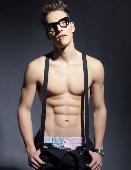 Pin On Hott Guys In Glasses-2225