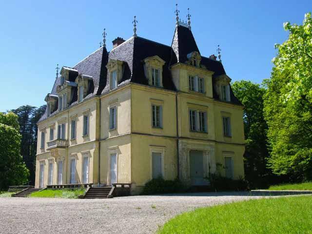 Visiter l'ain - Chateau de seneche Jujurieux