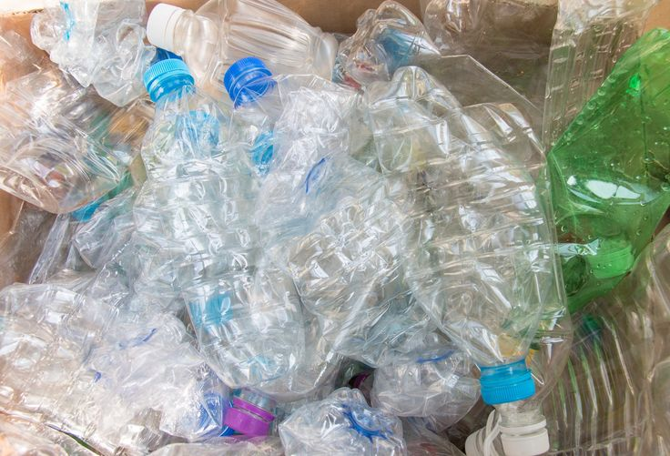 In alcune città italiane è arrivato un nuovo eco compattatore che eroga buoni spesa in cambio di bottiglie di plastica - http://www.sostenitori.info/alcune-citta-italiane-arrivato-un-eco-compattatore-eroga-buoni-spesa-cambio-bottiglie-plastica/256489