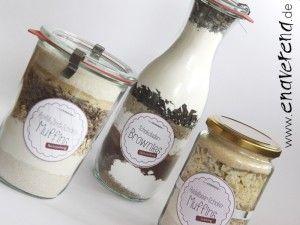 Verschiedene Rezepte für Backmischungen im Glas