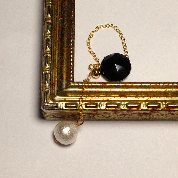 ヴィクトリア時代からやってきた黒いアンティークボタンと揺れるコットンパールのチェーンリングです華奢ですが、美しい存在感があります。チェーンは14KGFなので色...|ハンドメイド、手作り、手仕事品の通販・販売・購入ならCreema。