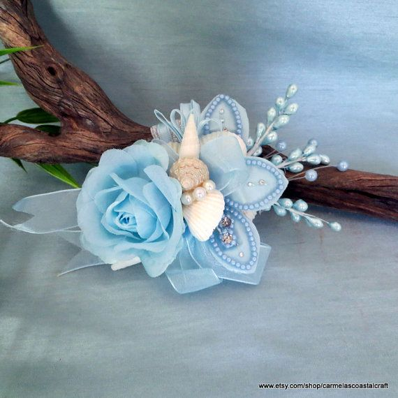 Beach wedding wristlet_blue rose and white от CarmelasCoastalCraft ₪80,61