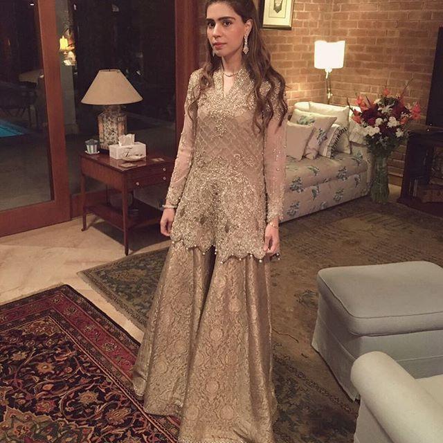 Noor Monnoo rocking it in oyster colour @farazmanan Couture 🌟 #stunning #elegant #farazmanan #Lahore #Dubai #winter #weddings