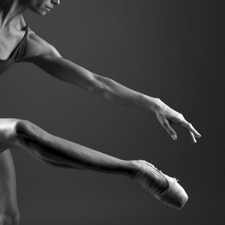 Barbora Hruskova, National Dance Company, Lisbon, Portugal - Photographer Nuno Brito