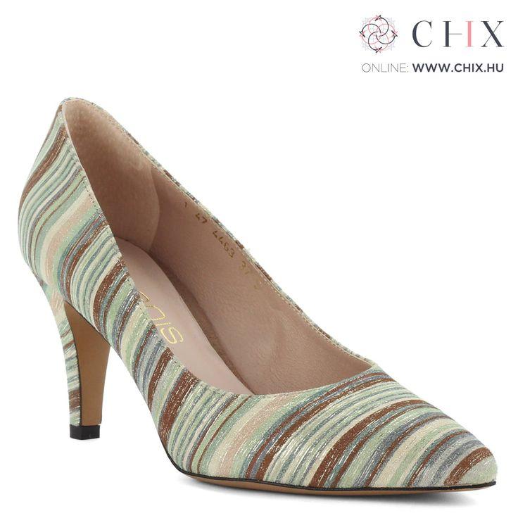 Anis női bőr cipő Csíkos bőr felsőrésszel, 7,5 cm magas sarokkal készült elegáns Anis cipő. Bélése is bőr. Márka: Anis Szín: Többszínű Modellszám: 4463 PASKI http://chix.hu/noi-cipok/13959-csikos-bor-anis-noi-cipo-4463-paski/