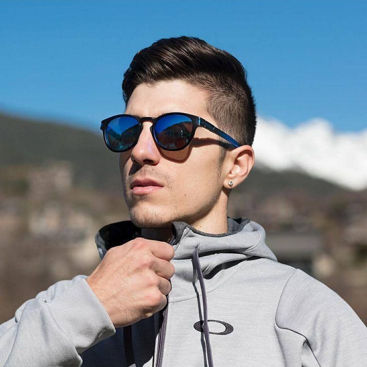 Para las novedades de este verano?  Oakley Latch Maverick Viñales! Compra todas nuestras increíbles Gafas de sol #Oakley en.: https://playoptic.com/collections/oakley PlayOptic Maverick Viñales #Cantstop #MV25 #Gafasdesol #Verano #Playa