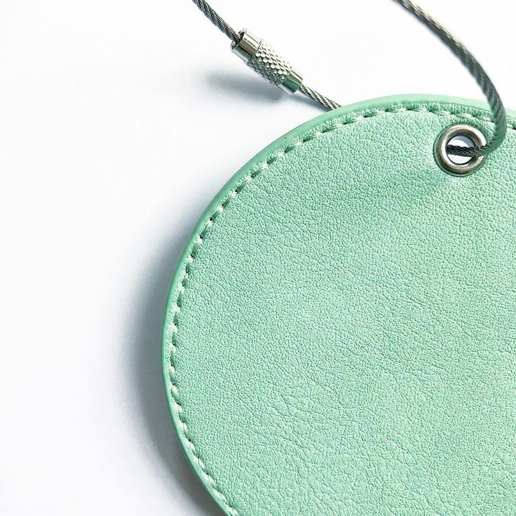 Did you know that all are products in solid colours are animal free and created from high quality non leather!
