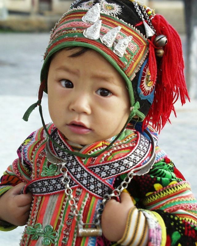 I would love a traditional outfit like this for my son.