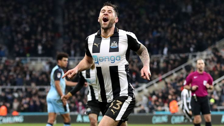 Newcastle striker Daryl Murphy moves to Nottingham Forest