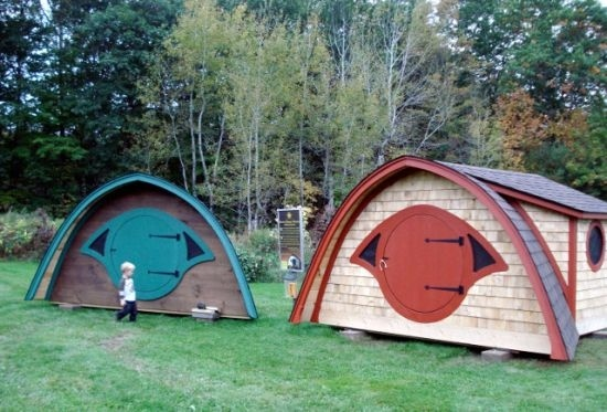 17 best images about play houses on pinterest cardboard for How to build a hobbit hole playhouse