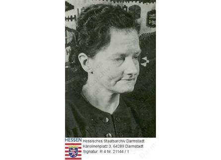 Anderson, Anna alias Franziska Schanzkowski alias Anastasia Großfürstin von Russland (1896-1984) / Porträt, Altersfoto, 2 linksblickende Bru...