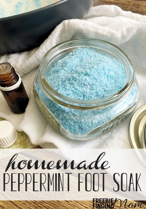 Awe…how would you like to treat your feet to a luxurious relaxing soak after a long hard day? You are only four ingredients away from making this Peppermint Scented Homemade Foot Soak. Consider also indulging a friend or family member, this easy homemade foot soak makes a great DIY gift as well.