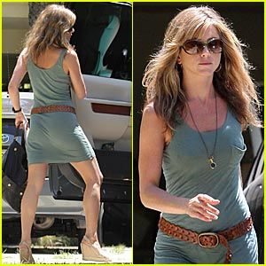 Jennifer Aniston is a Wedge Woman