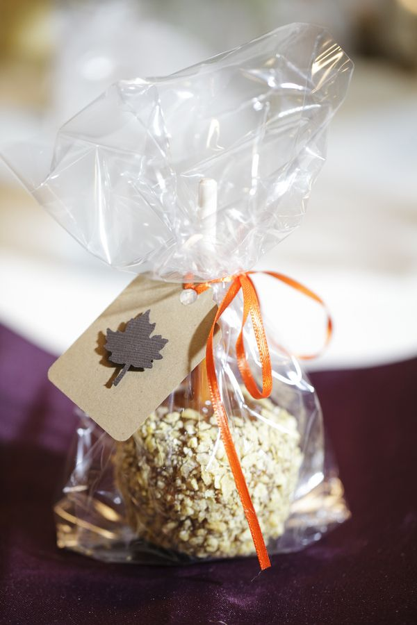 An Idea for favors>>Candy Apple Wedding Favors.. Casey and I did this for our October wedding everyone loved them