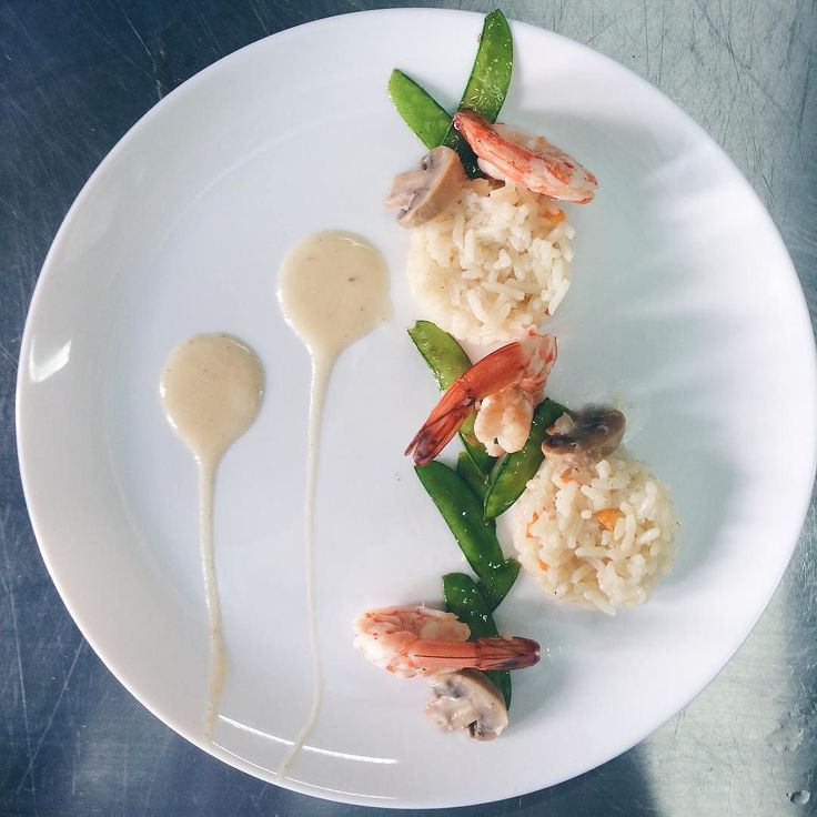 Shrimp in Thermidor Sauce with Rice Pilaf by kielleague