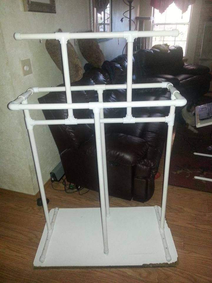This is a simple parrot pvc playstand