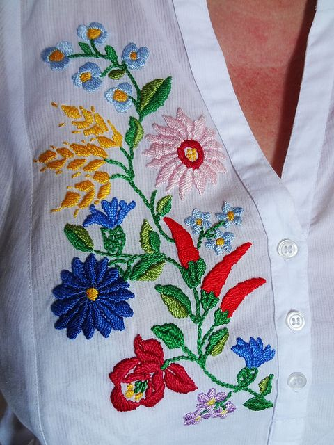 Shirt with a typical Hungarian design Kalocsai