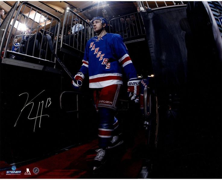 Kevin Hayes Signed Walking to the Ice 16x20 Photo