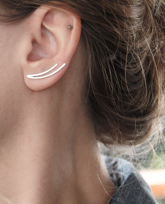 Ear cuffs oor klimmers, oor pinnen. Moderne minimalistische sterling zilver twee gekromde lijnen oor klimmers. -Twee stukken van 1.5mm sterling zilver