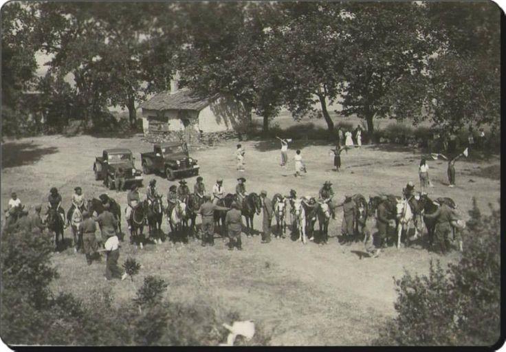 #Pendik'in karşısındaki Pavli (Mavronisi) Adası'nda (Aydınbey Yarımadası) bir 'İzci Kampı' - 1930'lar (Kaan Akoba) #istanlook