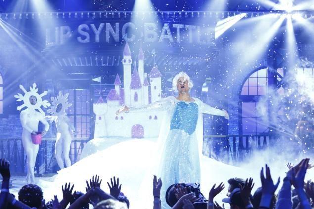 Channing Tatum Dresses As Elsa From 'Frozen' For 'Lip Sync Battle'