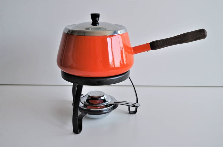 vintage fondue set, retro oranje fondue pan met onderstel en brander, metalen onderstel, 6 fondue vorken, fondue stel jaren 70, keuken 1970 door VintageAndRetroNL op Etsy