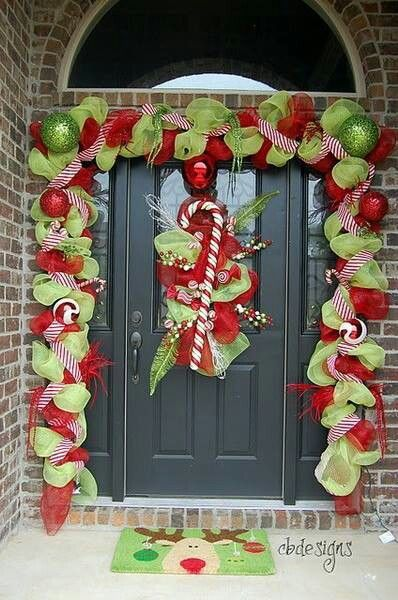 Christmas LOVE THIS LOOK ESPECIALLY WITH MY NEW CANDYCANE THEME FOR OUTFRONT.  THE RIBBON IS AWESOME!