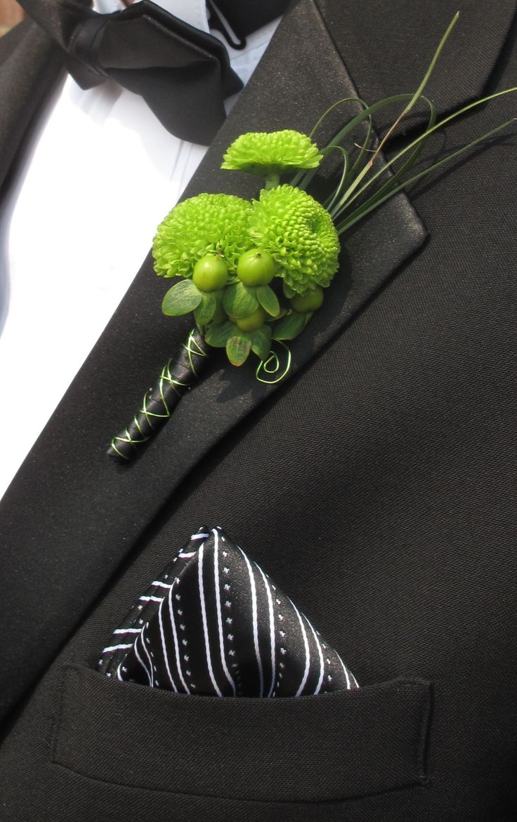 lime green boutonniere. Perfect! (Considering the theme colors are lime green & dark grey!)Lime Green Flower Theme, Bouquets Boutonnieres Corsage, Green Hypericum, Dark Grey And Green Wedding, Green Boutonnieres, Green Weddings, Green Touch, Lime Green Wedding Theme, Green Corsage