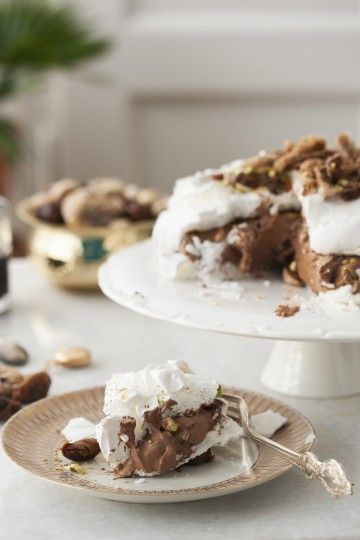 #beza #pavlova z kremem czekoladowym i pistacjami. #pistaccio #chocolate #merengue #delektujemy