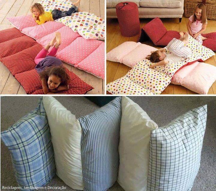 Une bonne idée quand viens le temps de changer la literies! Plutôt que de vous débarrasser d'un drap, recyclez le tissus pour en faire une housses pour un long oreiller! Pas de drap à recycler? Peut-être avec vous des taies d'oreiller de couleurs amusantes? 5 oreillers dans un qui se repli! C'est super ça!