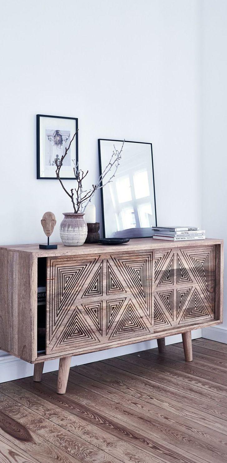 Das Wohnzimmer einrichten, mit stilvollen Bildern, toller Deko und