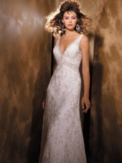 Charming Chiffon/Lace V-neck Empire Wedding Dresses