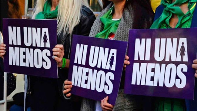 En España / Una venezolana es la primera víctima de feminicidio en 2018 / Caracas.- Una mujer venezolana de 46 años se ha convertido en la primera víctima mortal del 2018 por violencia machista en España, al ser asesinada presuntamente por su pareja, un varón español de 69 años, en su domicilio de Santa Cruz de Tenerife, en el archipiélago de Canarias. El hallazgo del