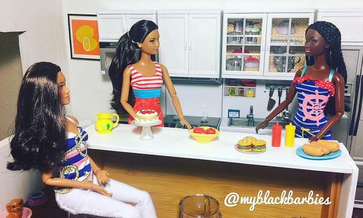 Chandra: So have you guys heard about Ray and Allison? Alex: Ugh! What are those two criminals up to now? Bree: 😂😂😂 Chandra: They're getting married. #dolldrama #gossip #aadolls #blackdolls #blackbarbies #laborday2016