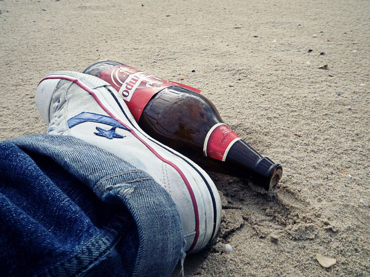 Botellas sin mensaje #Converse #beer #birra #beach #sand