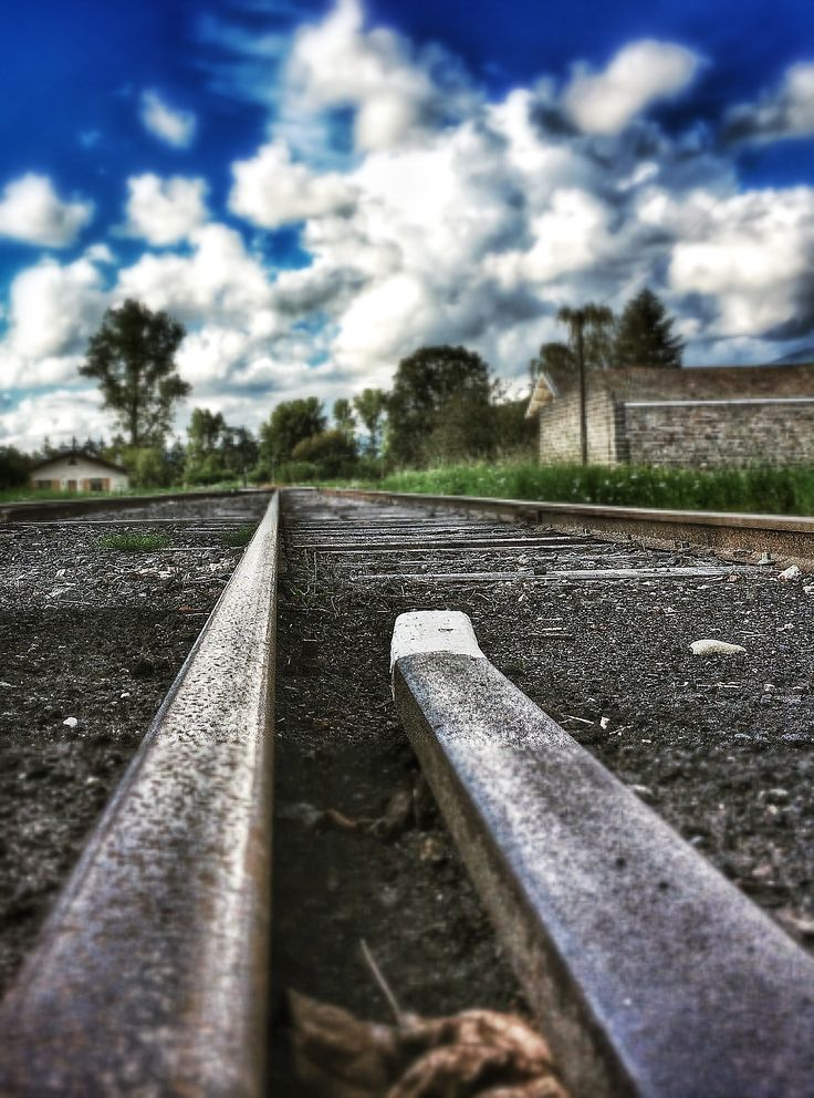 Rails - Ambert. Photo © Copyright Yves Philippe