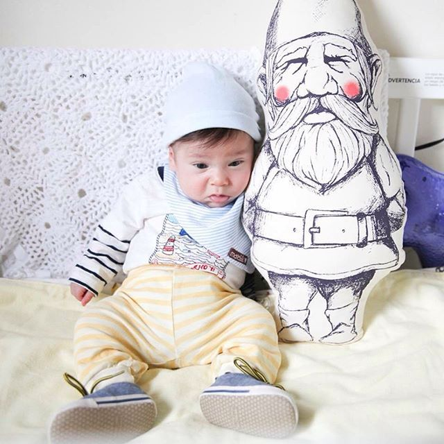 @vuelavuelabijoux 's adorable little one with our garden gnome pillow <3 - Twill & Print