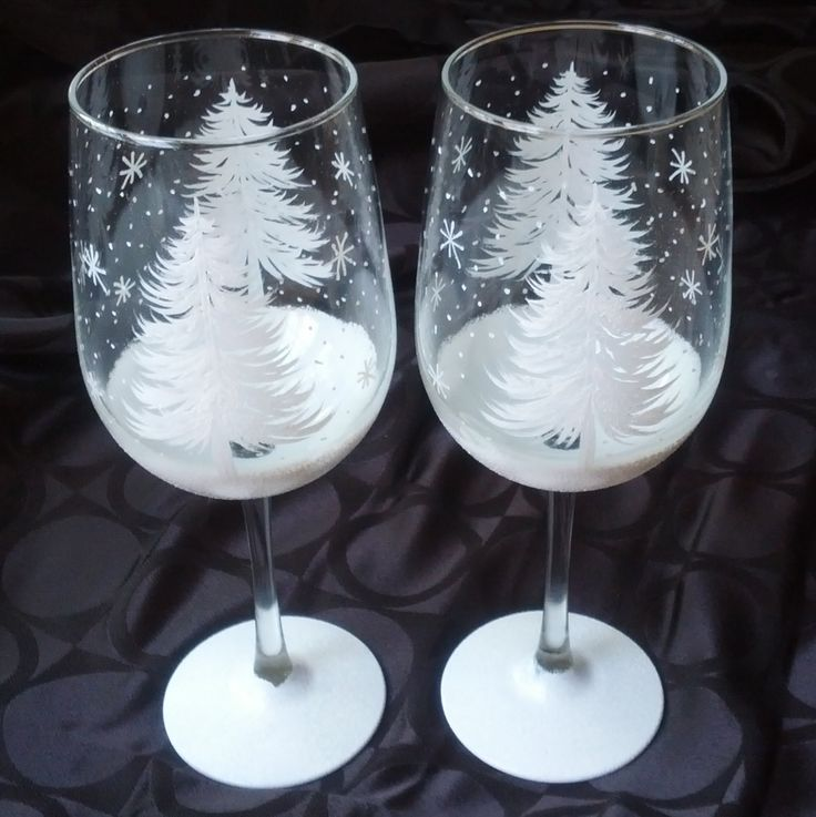 Two glittery white full Christmas trees spread their branches around the glass. Matching snowy shimmery base. Optional snowflakes all around glasses. Makes a wonderful hostess gift or a beautiful accent to your winter and holiday tables. Also, looks beautiful as a tea light candle holder. Can be personalized for free. Price is for two glasses. Contact me for discounted pricing for sets.    Enjoy your drinks using unique fun designs that you won't see anywhere else. Not thick dollar store…
