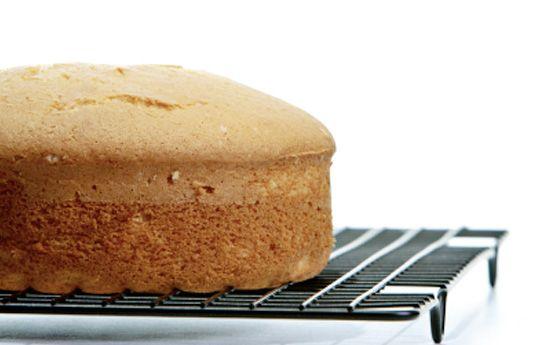 Pan di Spagna soffice e alto, la ricetta facile per torte da pasticcieri!